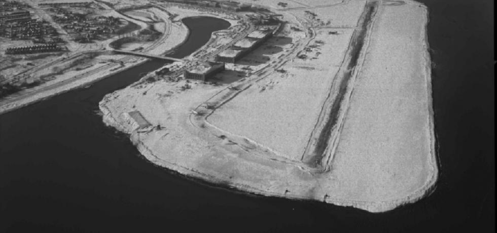 aerial shot of La Guardia Airport in the winter.