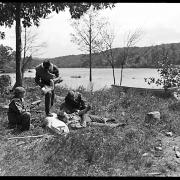 New York. Companions preparing splint and bandage to support broken arm of sea scout.  Palisades Interstate Park, N.Y.
